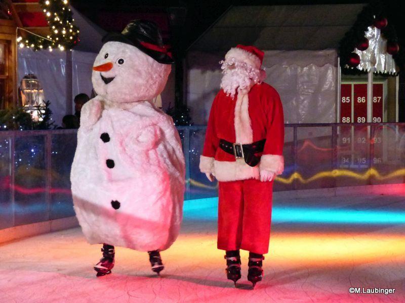 Eröffnungsshow Schneemann und Weihnachtsmann