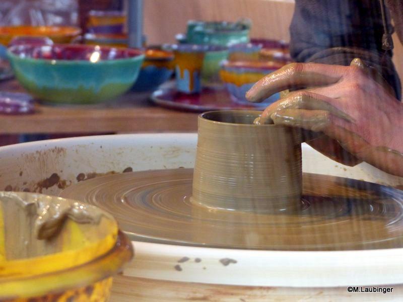 Keramikschau vor Ort