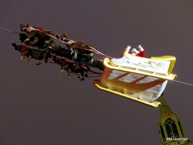 Weihnachtsschlitten mit Weihnachtsmann